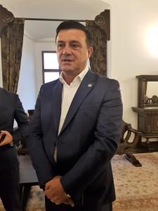 Ministrul Nicula Bădălău în Sala Tronului din Cetatea Făgăraş